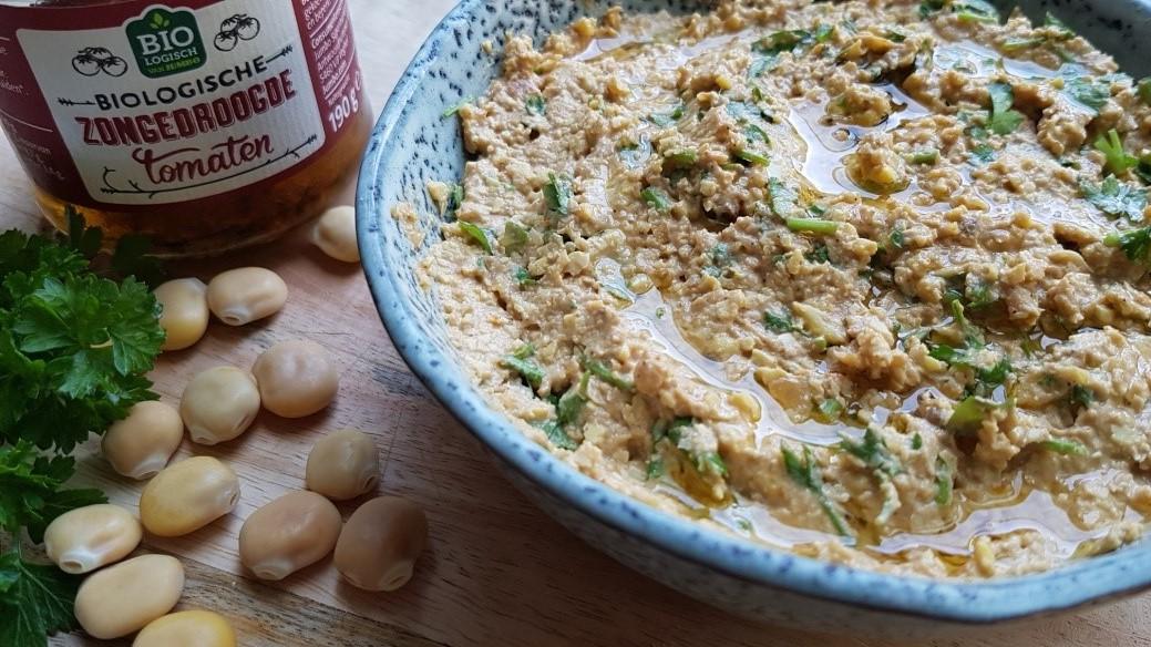 Hummus van lupinebonen